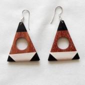 boucles-oreilles-bois-corne-triangle-1