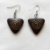 boucles-oreilles-triangles-spirales-dorees