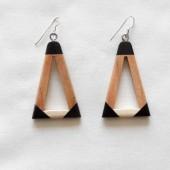 boucles-oreillles-bois-corne-triangle-2