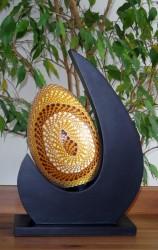 lampe-design-lune-jaune-eteint