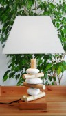 lampe galets rondins chapeau carré