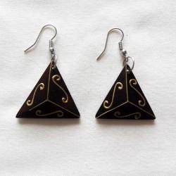boucles-oreilles-triangles-arabesques-doree