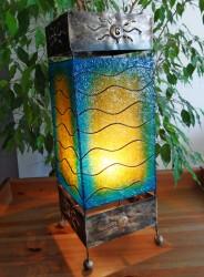lampe-carre-bleu-eclaire-grande