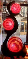 lampe-3boules-rouge-eclaire