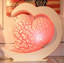 lampe design coeur rouge eclairee